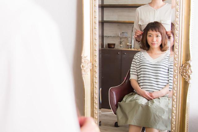 美容室の女性