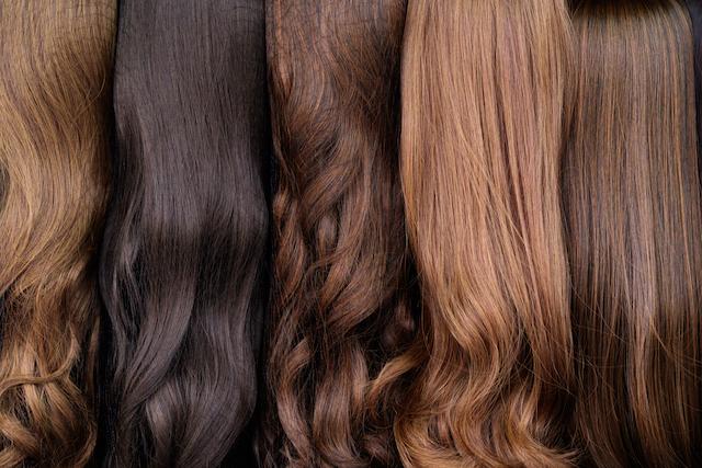 髪の毛 色